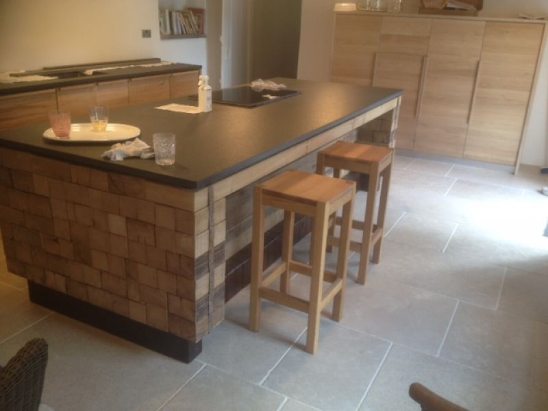 Oak kitchen with Antique Zimbawe Granite Gallery